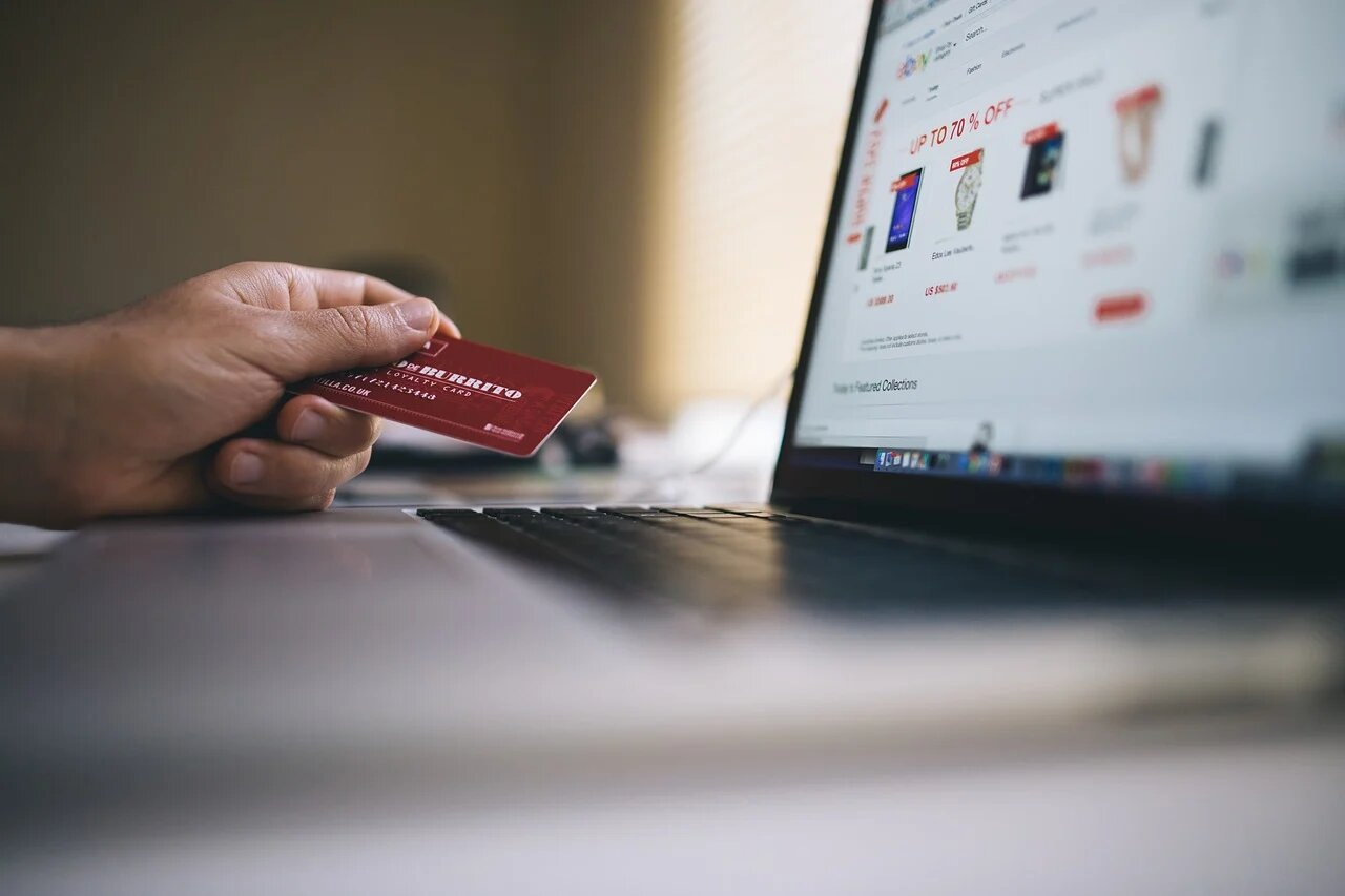 The E-Commerce Site as An Advertising Channel Is Here